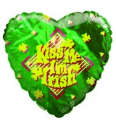 Kiss me I&#39m Irish Shamrocks Heart Shaped Airfill Balloon
