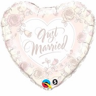 "18"" Just Married Roses Mylar Balloon"