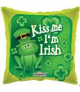 "18"" Square Kiss Me I'm Irish"